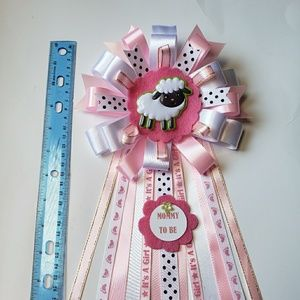 Accessories - Little lamb baby shower corsage/mommy to be mum